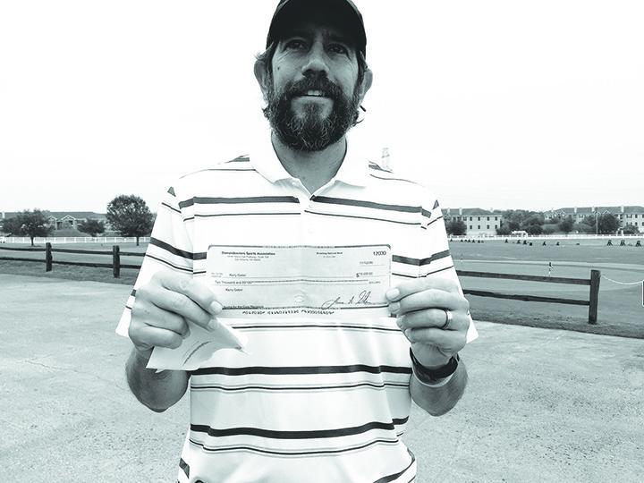 Golf coach battles cancer,  receives community support