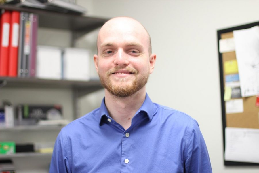 Elliot Jensen is the new Choir Student Teacher on campus.