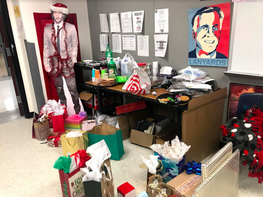 The Marquee celebrated the holidays with a secret Santa party, which included food, gifts and visiting with old friends from 2018-2019 newspaper.