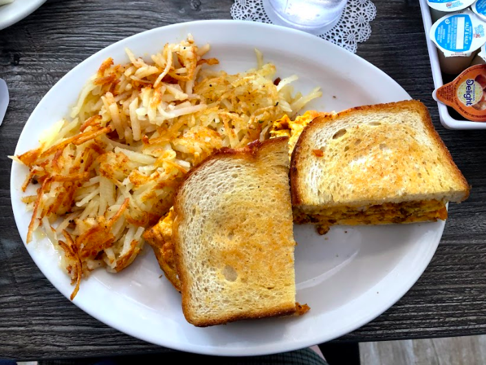 The chorizo breakfast sandwich was delicious, so Eggspress Cafe definetly deserves a second visit.